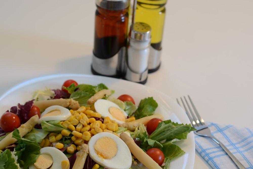 Maiskeimöl zu Salaten